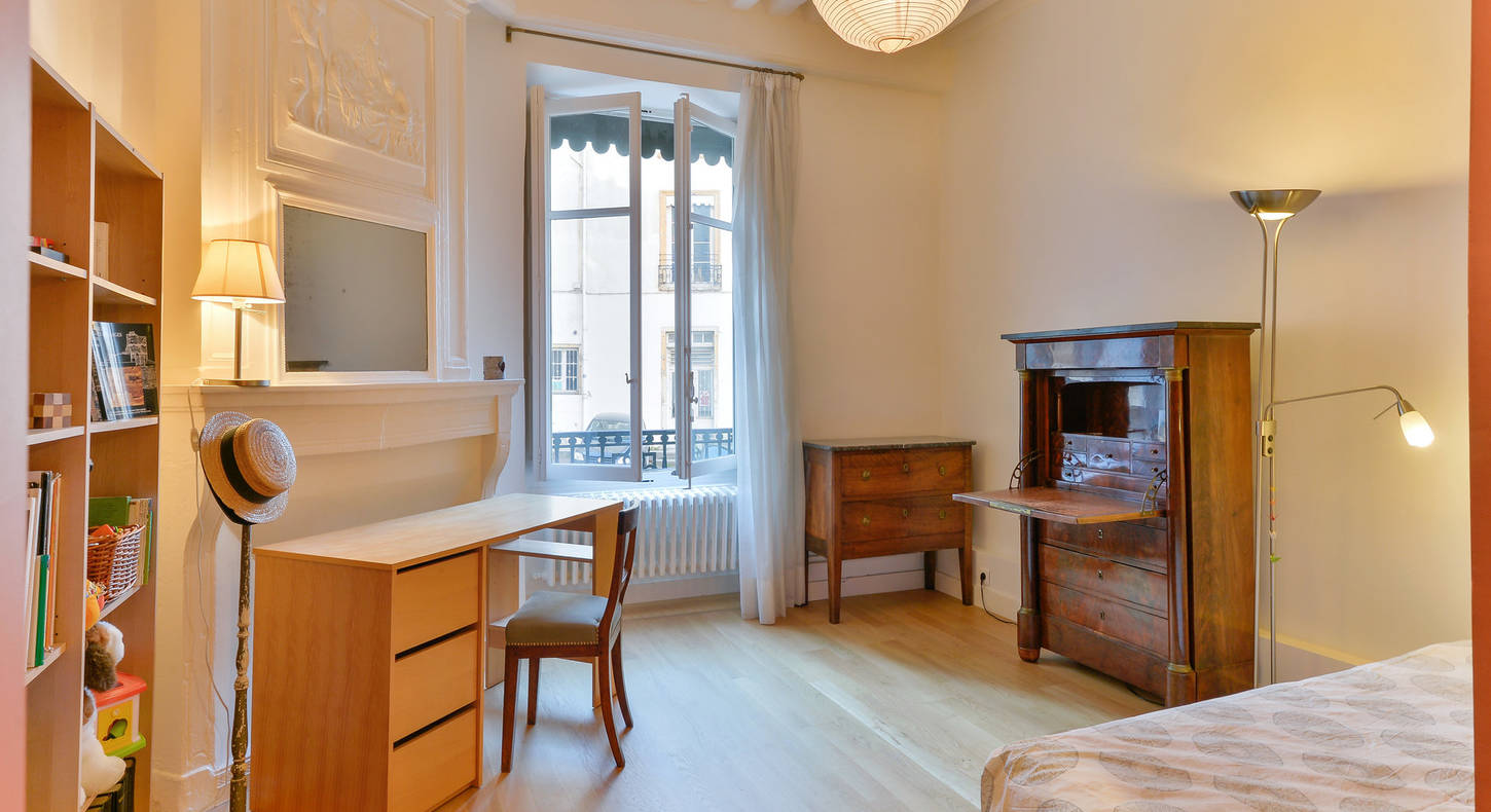 Barnes Lyon, prestigious real estate agency - Bedroom of an apartment in Lyon 5