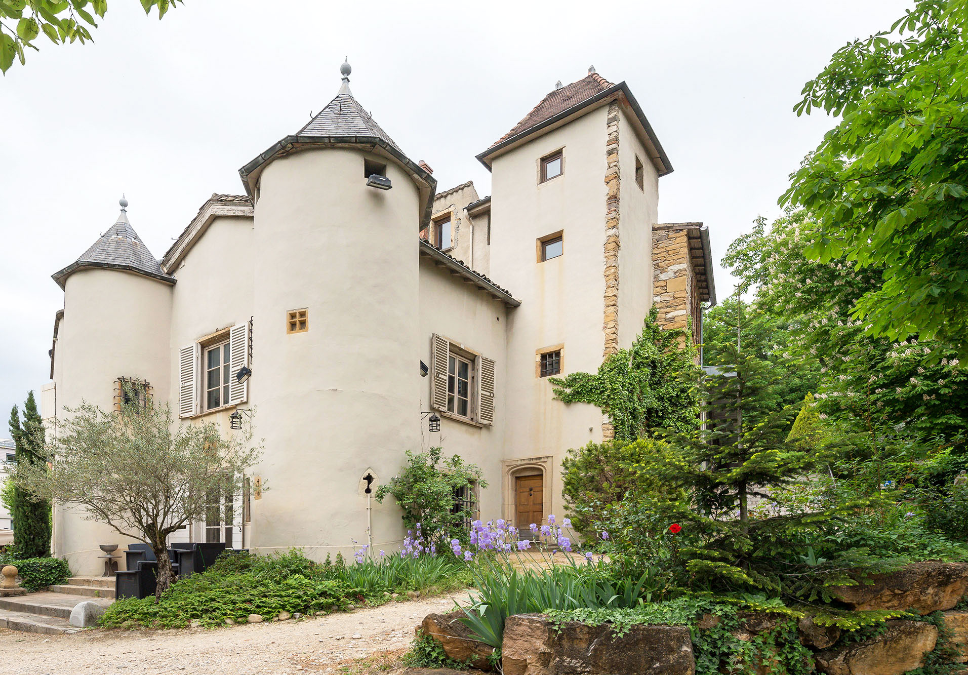 Château for sale Saint-Irénée
