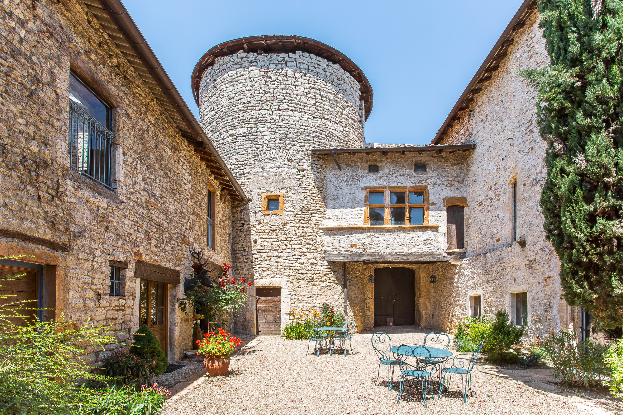 Fortified manor house near Lyon