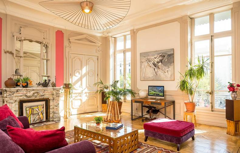 A bourgeois apartment Place Bellecour