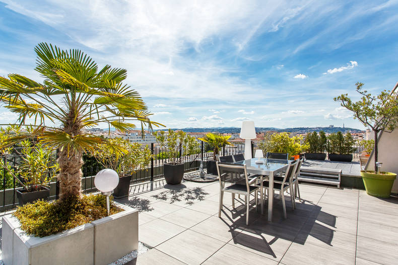 A roof terrace apartment in Lyon 3